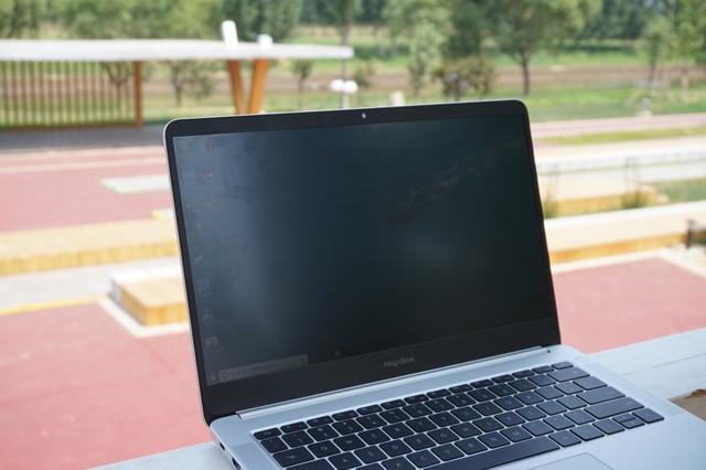 荣耀MagicBook锐龙版轻薄本评测 兼具颜值和性能简直不给传统PC留一点活路