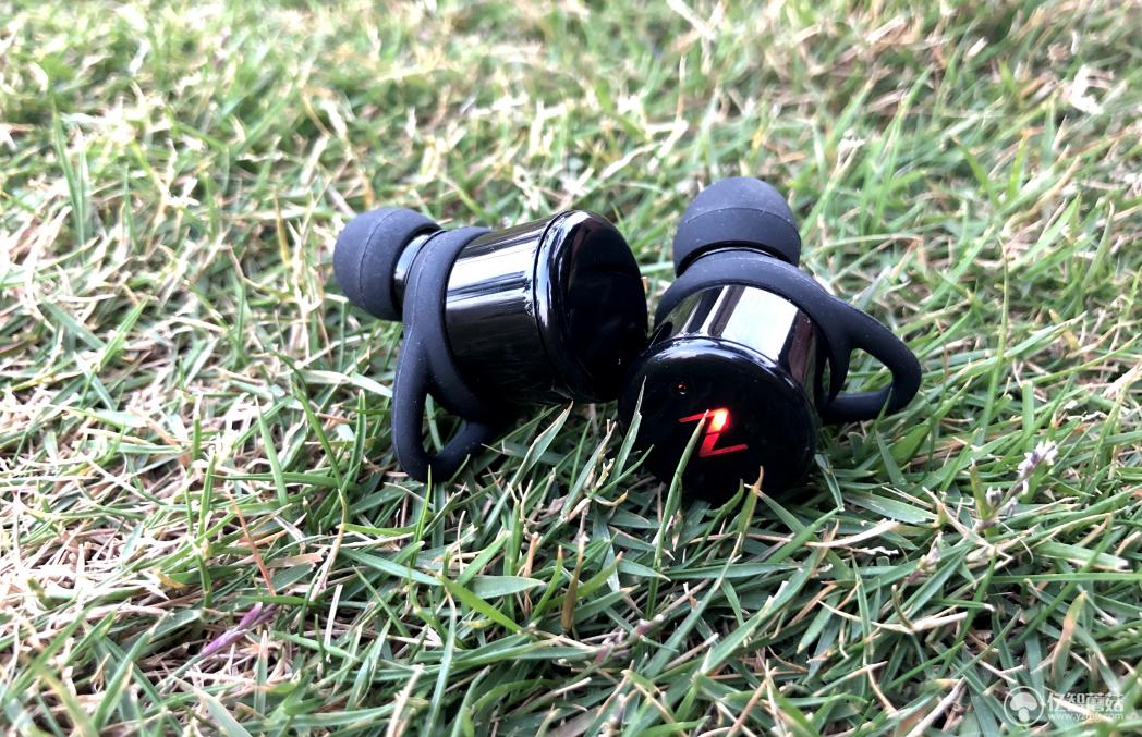 南卡T1蓝牙耳机评测 出色的音质和舒适的佩戴感