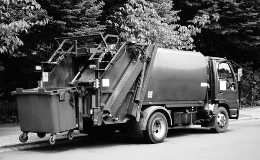 AI为环卫行业解困 智能扫地车