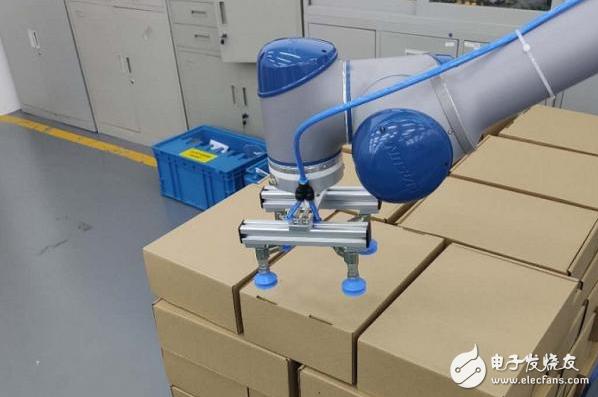 新松协作机器人助力3C行业自动化升级