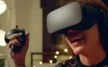 到底該不該讓(rang)青少(shao)年使(shi)用VR設備