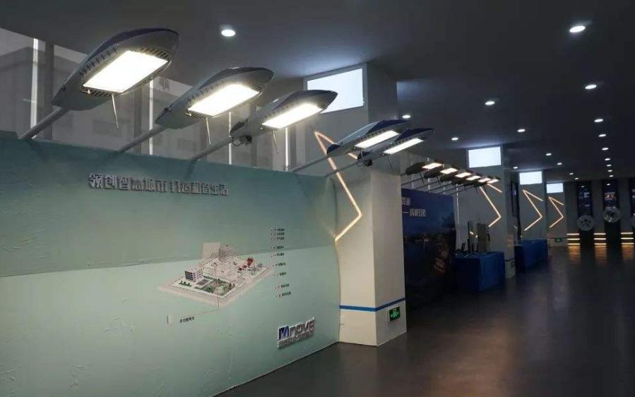 香港推行多功能智慧灯柱试验计划,预计6月底正式投入运作