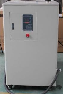 超低温循环冷却器的工作原理