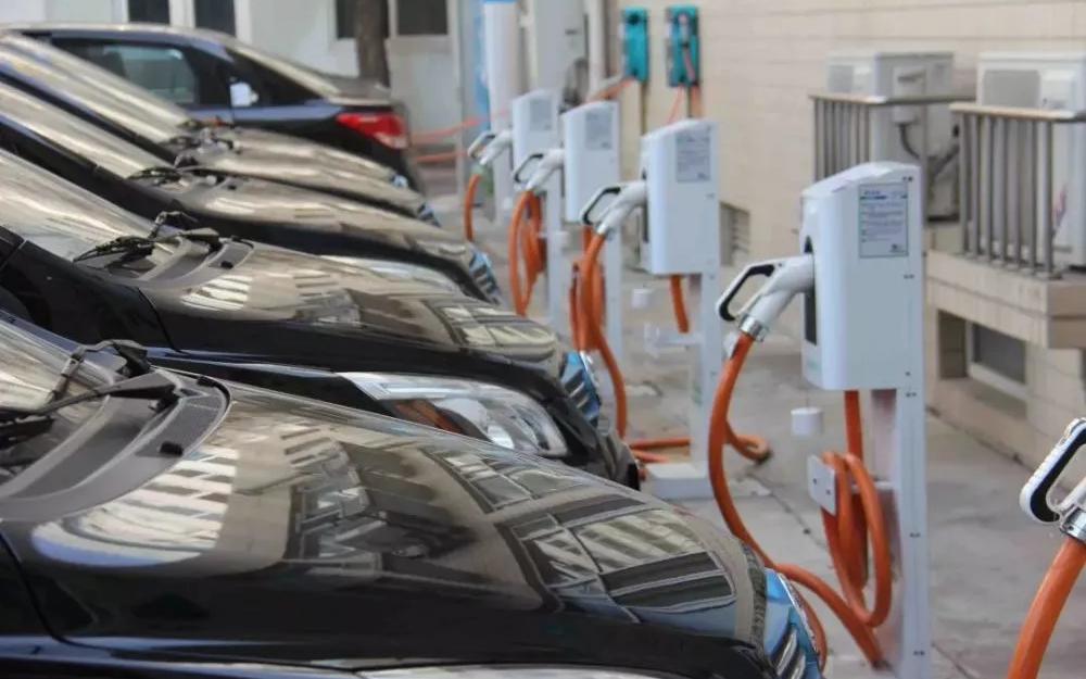 新能源车补政策切换最后一天锛�明天开始涨价 补贴最多减少58%
