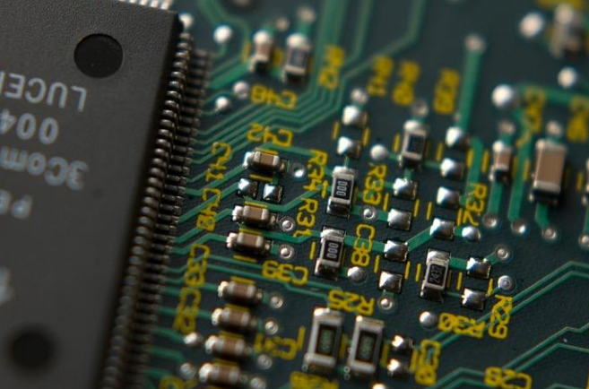 英伟达和高通为何考虑转向三星 有哪些要素将影响芯片巨头对代工厂商的抉择