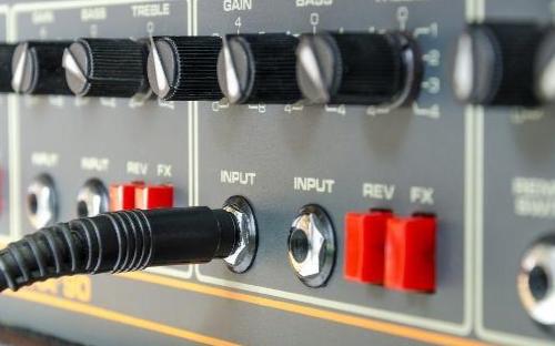 关于低频功率放大器的介绍
