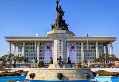 韩国立法机构正在呼吁政府对加密货币进行金融监管