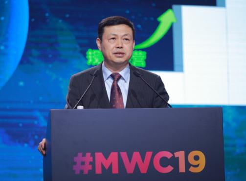 中國移動楊杰表示中國移動發布了5G+計劃但心里感到不安