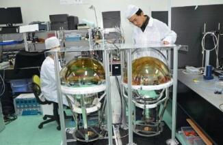 光电二 咔极管和光电倍增管∴的区别