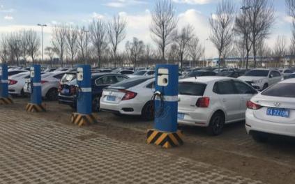 相比更实用的混动汽车为什么更多人选择电动汽车