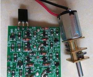 一种LED灯电路板制作方法与步骤