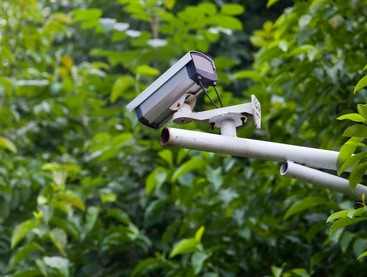 通过AI+视频监控摄像机解决高空抛物行为