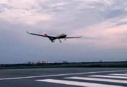 全球首款无人预警机试验成功