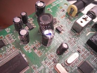 电容的工作原理及在电路设计中有何作用