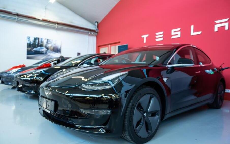 特斯拉二季度新能源车生产交付破记录  股价飙升7%