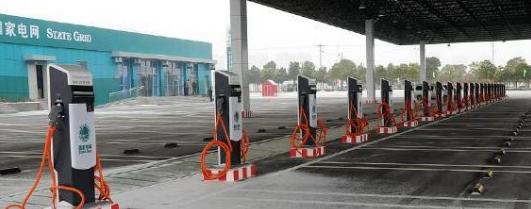 如何解决纯电动汽车充电排队的问题