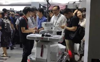 博众旗下产品安防机器人精彩亮相