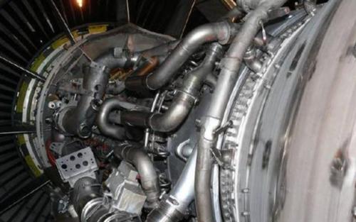 關于發動機的控制系統與滑油系統