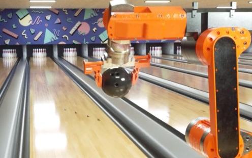 """""""造假""""Atlas之后,这个机器人打保龄球视频惊呆了网友"""