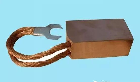 绕线式电动机碳刷、滑环安装及维护要点