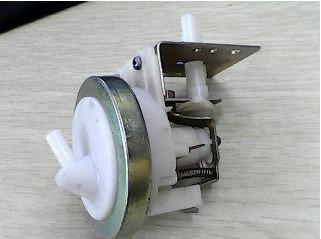 洗衣机水位传感器的原理及故障的修复方法