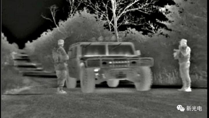 美陆军提供高分辨率红外和彩色摄像机 增强夜视车辆驾驶能力