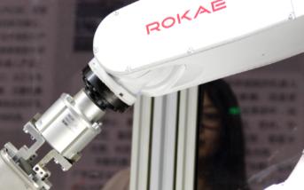 关于工业机器人国产的跟进口品牌的差别在哪