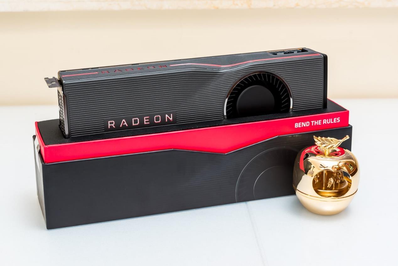 整整7年AMD正式发布GCN架构的HD7000系...