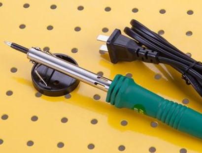 手工焊接所需的工具及操作步骤