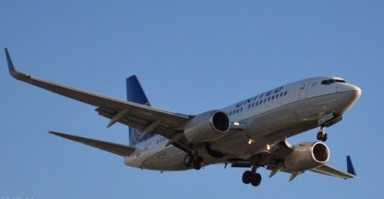 美联航表示它与波音签署了一份购买19架二手波音7...