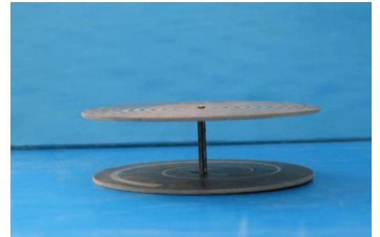 带反射板的阿基米德螺旋天线的详细资料说明