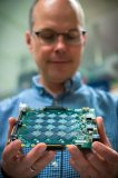 英特爾發布Pohoiki Beach神經擬態系統,比傳統CPU快1000倍