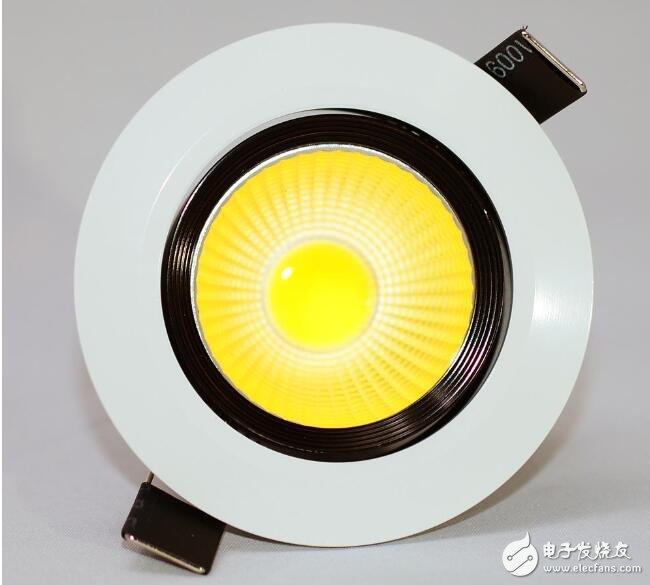 COB小间距显示技术解决了SMD分立器件LED小间距显示技术的痛点