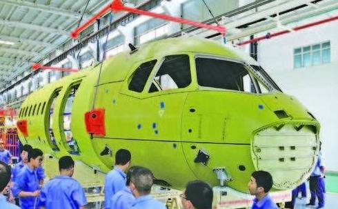 新舟700飛機靜力試驗機機身段已在航空工業陜飛順利下架