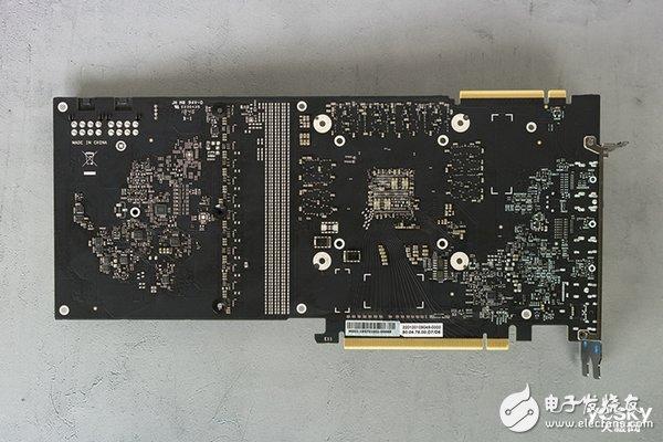 iGameRTX2070SUPERVulcanXOC显卡评测 在预超频的模式下甚至部分游戏的性能超过RTX2080