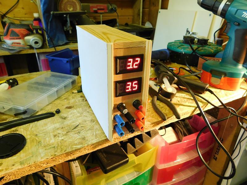 怎样制作一个可提供可变电压和固定输出的电源