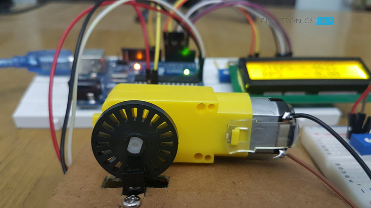 怎样用Arduino接LM393速度传感器并测量电机的速度