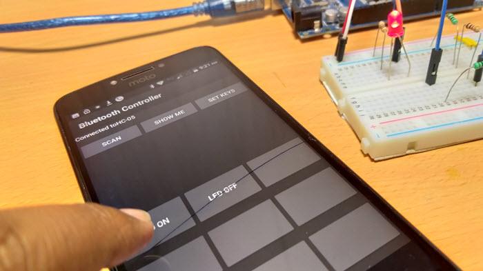 怎樣使用HC-05藍牙模塊通過無線通信控制Arduino板