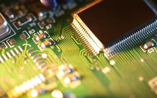 今年半导体在电子系统占比将下降至26.4%