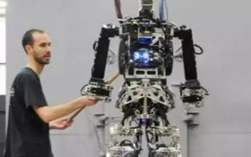 為什么越來越多的國家重視機器人產業的發展