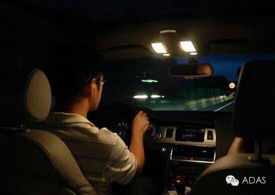 简述夜间行车灯光使用方法介绍