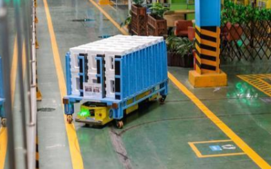 移动机器人AGV的应用以及发展情况