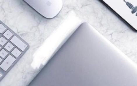 苹果将推出多点触控全面屏MacBook