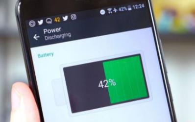大电池备用机和充电宝哪个安全性能更好
