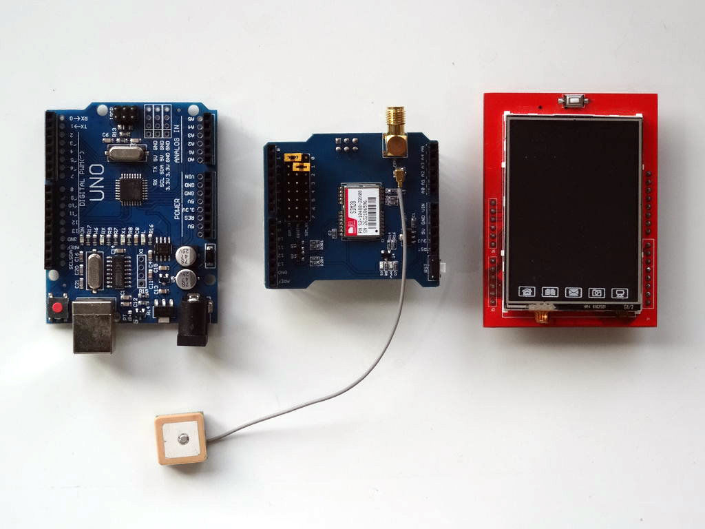 带GPS和TFT触摸屏显示屏的GPS定位显示的制作