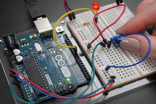 What basic skills do embedded hardware development engineers need to learn