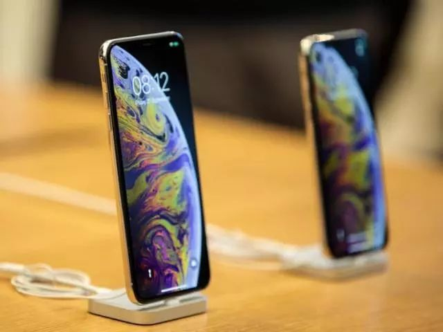 iPhone 11设计细节曝光,一体式后盖、磨砂玻璃材质及静音键设计