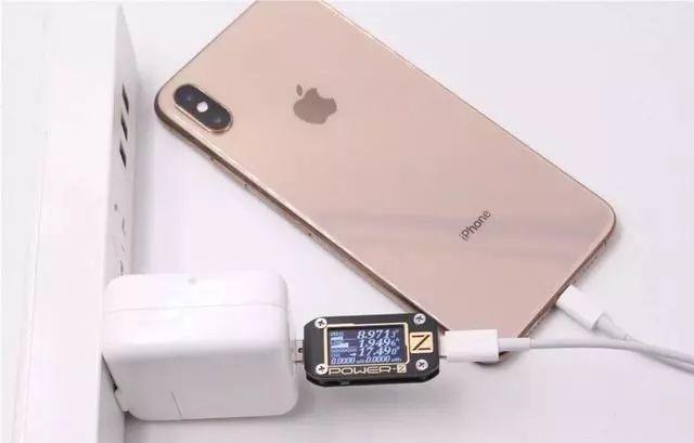 快充对iPhone的电池会有很大损伤?原来是这样!