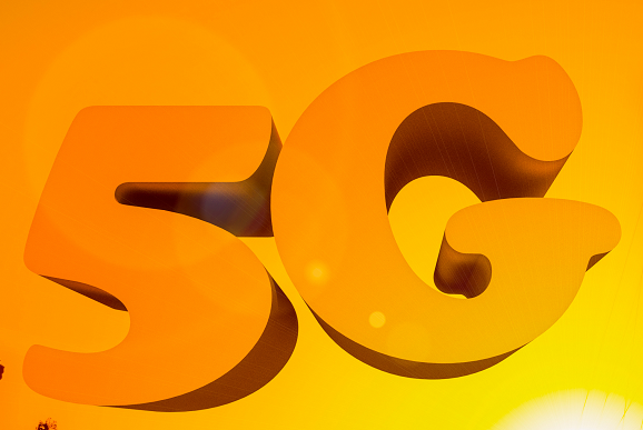 中国电信韦乐平表示5G真正大规模商用将是在202...