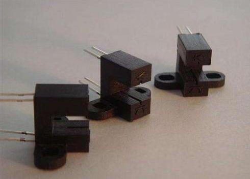 光耦的結構特點_光耦的性能特點_光耦的優點